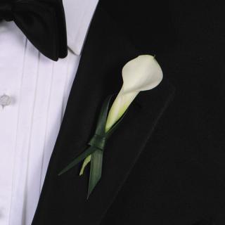 8. Tying The Knot Boutonniere