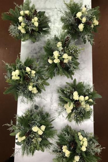 Winter Wonderful Bridesmaids\' Bouquets